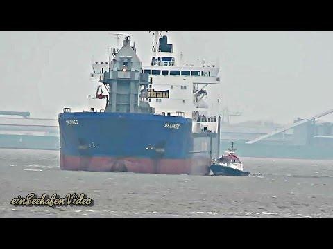 bulk carrier Beltnes IMO 9432206 inbound Emden pilot boarding self unloader Selbstlöscher
