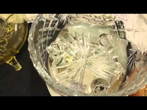 Crystal:cut crystal pinwheel footed bowl