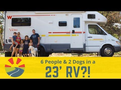 how-a-family-of-6-(and-2-big-dogs)-live-in-a-23'-motorhome!