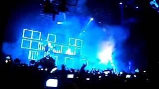 David Guetta Creamfields Perú 2011 ROBOT DANCE