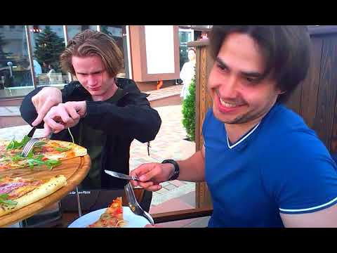 Самая огромная пицца в мире была... успешно съедена))