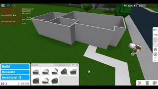 how to make a noob house in bloxburg