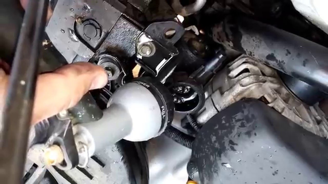 Coolant change 2010 Nissan Altima - YouTube