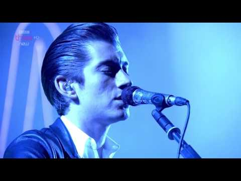 Arctic Monkeys - No.1 Party Anthem @ Reading Festival 2014 - HD 1080p