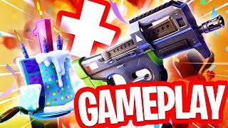 GROTE UPDATE LIVE!! NIEUWE COMPACT SMG GUN GAMEPLAY + GRATIS BACK BLING FORTNITE 1 YEAR!