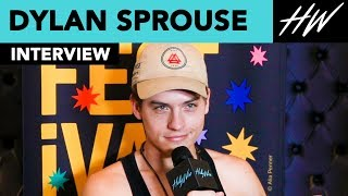 "Dylan Sprouse Reveals His Secret Kiss Technique with the cast of ""Banana Split"" ! 