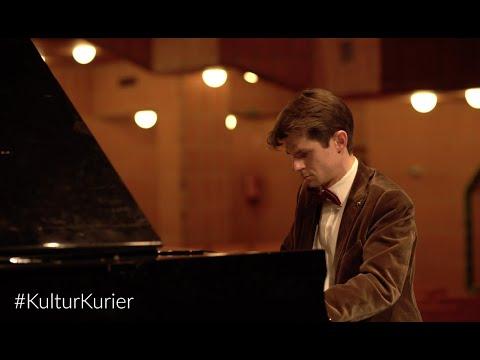 #KulturKurier: Roman Salyutov spielt Chopin