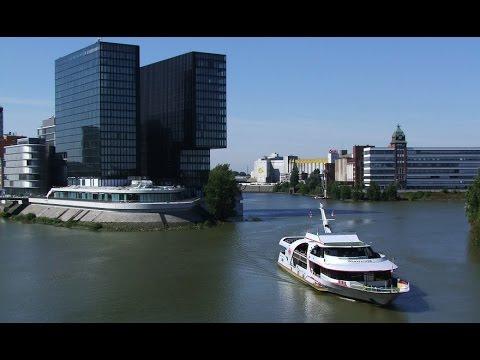 Schiffstour am Rhein in Düsseldorf