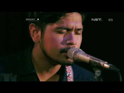 Petra Sihombing Ft. Sheryl Sheinafia  - She Looks So Perfect (5 Seconds Of Summer Cover)