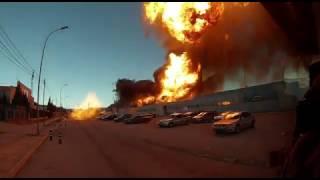 Los bomberos salvan la vida de milagro en el incendio de Paterna, Valencia