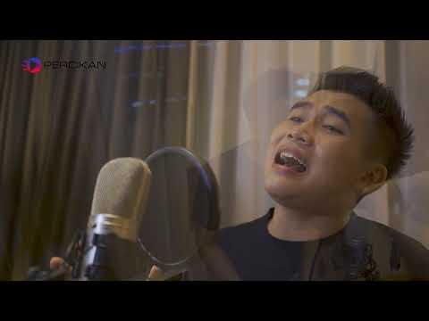 """Suaranya Mantap! Lagu """"Titip Rindu Buat Ayah"""" Ebiet G Ade, Cover By ErikZen , Heboh!"""