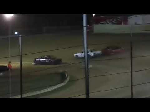 Description. - dirt track racing video image