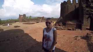 Форты рядом с ГОА, обзор Индиской еды - рыбное тали | Индия 13(Мы сняли байк и отправились в самостоятельную экскурсию по Индийским фортам из Гоа. В этом видео мы покажем..., 2015-01-06T19:07:00.000Z)