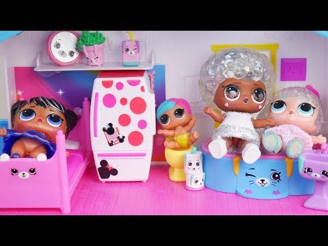 Barbie LOL Family Dollhouse Cleaning Morning Routine  - Disney Toys Dolls