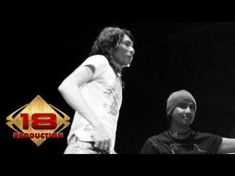 Bim Bim Slank - Bidadari Penyelamat  (Live Konser Gowa Sulsel 31 Juli 2006)