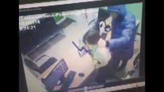 В Нижнекамске грабитель-психопат попытался ограбить офис микрозаймов