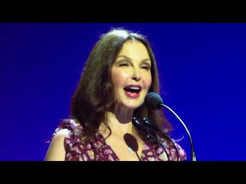 Ashley Judd Reads Her Letter at Time's Up Event