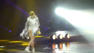 Miley Cyrus- Lucy in the sky with diamonds Cover at the Perth Arena