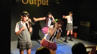 Mary AngelとRYUKYU IDOL(亀田あいね、嘉出川はな)によるコラボステージ.