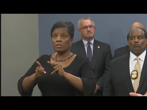 Tampa Police Spokesperson on Fake Sign Language Interpreter: 'I Let Her In'