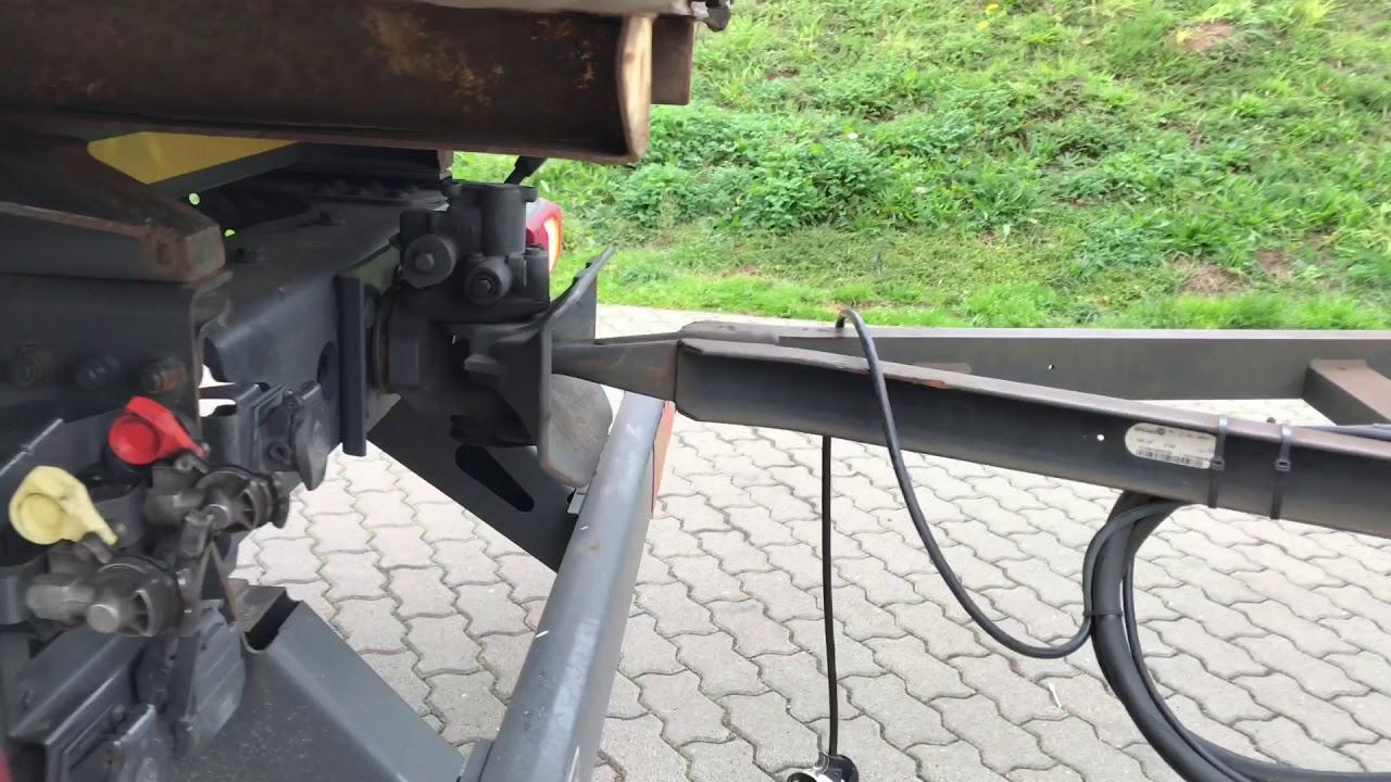 LKW Hängerzug ankoppeln Gliederzug koppeln Lastzug mit einem ...