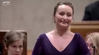 Phenomenal Virtuoso Julia Lezhneva donates her Endless Breath to Elisena (20-sec long Breaths)