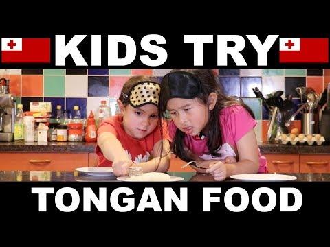 Kids Try Tongan Food 🇹🇴 😂