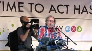 Urban Priol beim Blockupy Aktionstag gegen die EZB (Römer Frankfurt 18.03.15)