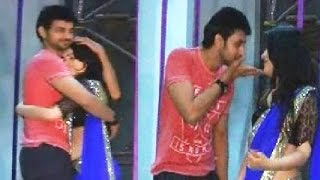 Download Video Meri Aashiqui Tum Se Hi's Ranveer,Ishani intimate dance at Television Style Awards MP3 3GP MP4