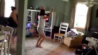 spying on my aunt and sister doing just dance katy perry