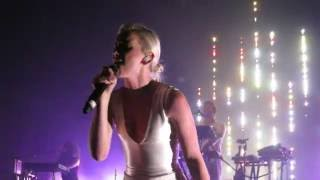 Broods Performing Heartlines - Brisbane Australia, 8 July 2016