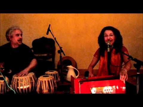 Gina Sala & Friends Kirtan - Om Mata Om Kali...Chant