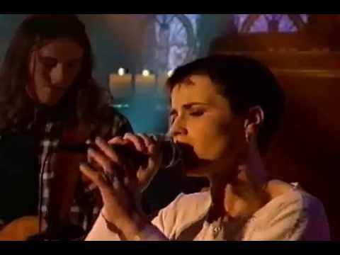 The Cranberries Dreams + Linger cut 1993 (Early footage)