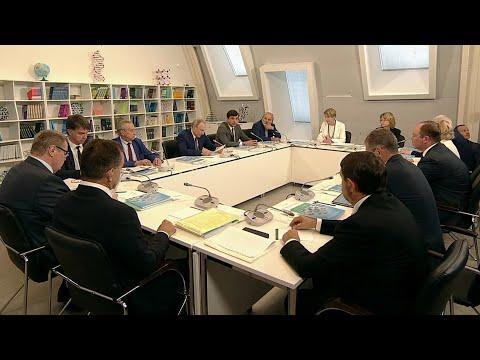 """Президент посетил образовательный центр """"Сириус"""" в Сочи и рассказал о грантах для лучших из лучших."""