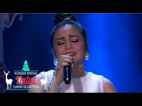 "Momo ""We Are The Reason"" 