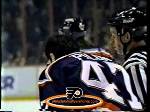 Dec 10, 1995 Rick Pilon vs Shawn Antoski ROUGHS New York Islanders vs Philadelphia Flyers