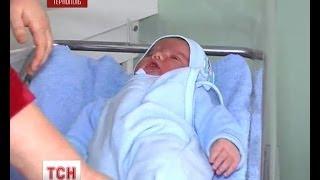 У Тернополі народився майже семи кілограмовий хлопчик