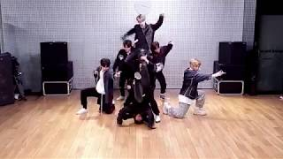 [MIRRORED] Stray Kids (스트레이 키즈) |  YG vs JYP Dance Battle Choreography