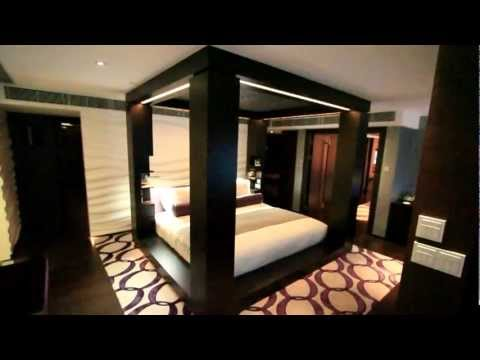 A Tour of The Mira Hotel in Hong Kong