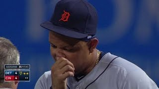 DET@CIN: Miggy shaken up after ball goes off his face