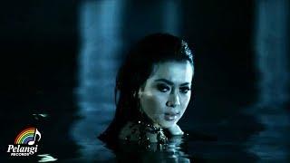 Download Syahrini - Kau Yang Memilih Aku (Official Music Video)