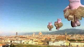 謎のねこがイタリアの名所で踊る動画第3弾!今回は小さいバックダンサー...