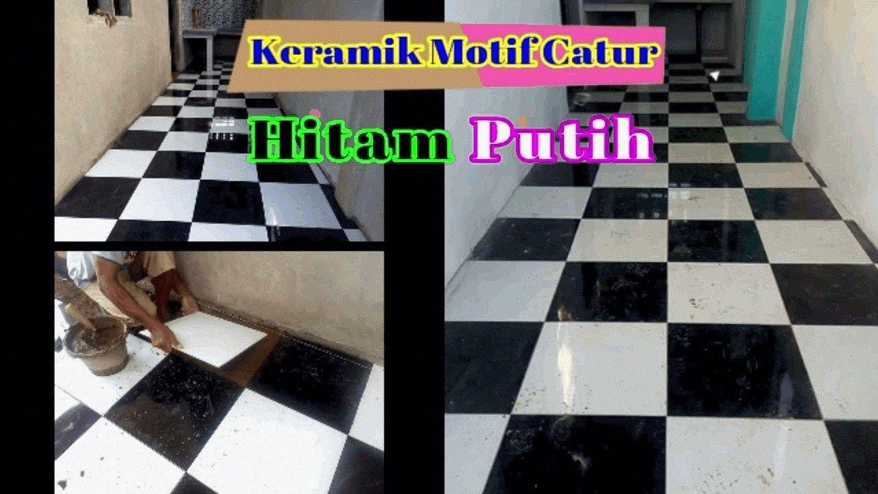 Pemasangan Keramik Lantai Motif Catur Hitam Putih Yang Rapih Mewah