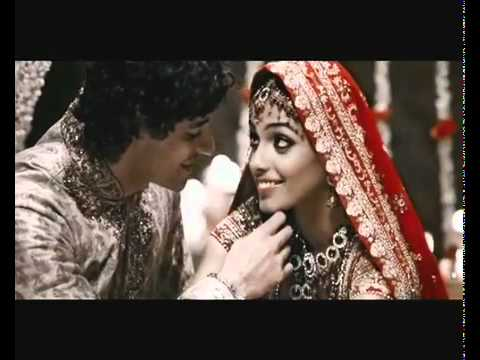 Close Up TV Commercial (3) - Paas Aao Na - BLUE I Productions & Dj MOKKSHA