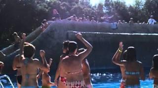 Baile en la Piscina del Camping Iratxe en Ayegui Navarra cerca de Estella Lizarra