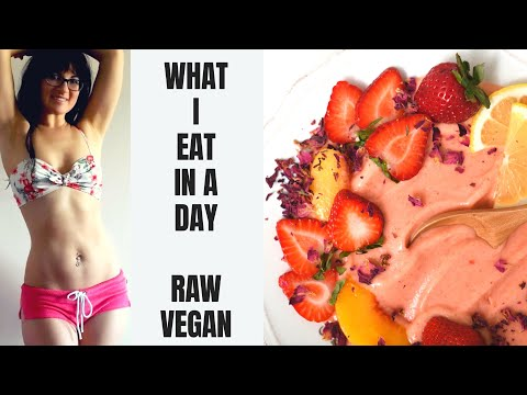 WHAT I EAT IN A DAY || RAW FOOD VEGAN NUTRITION WEIGHT LOSS CLEAR SKIN