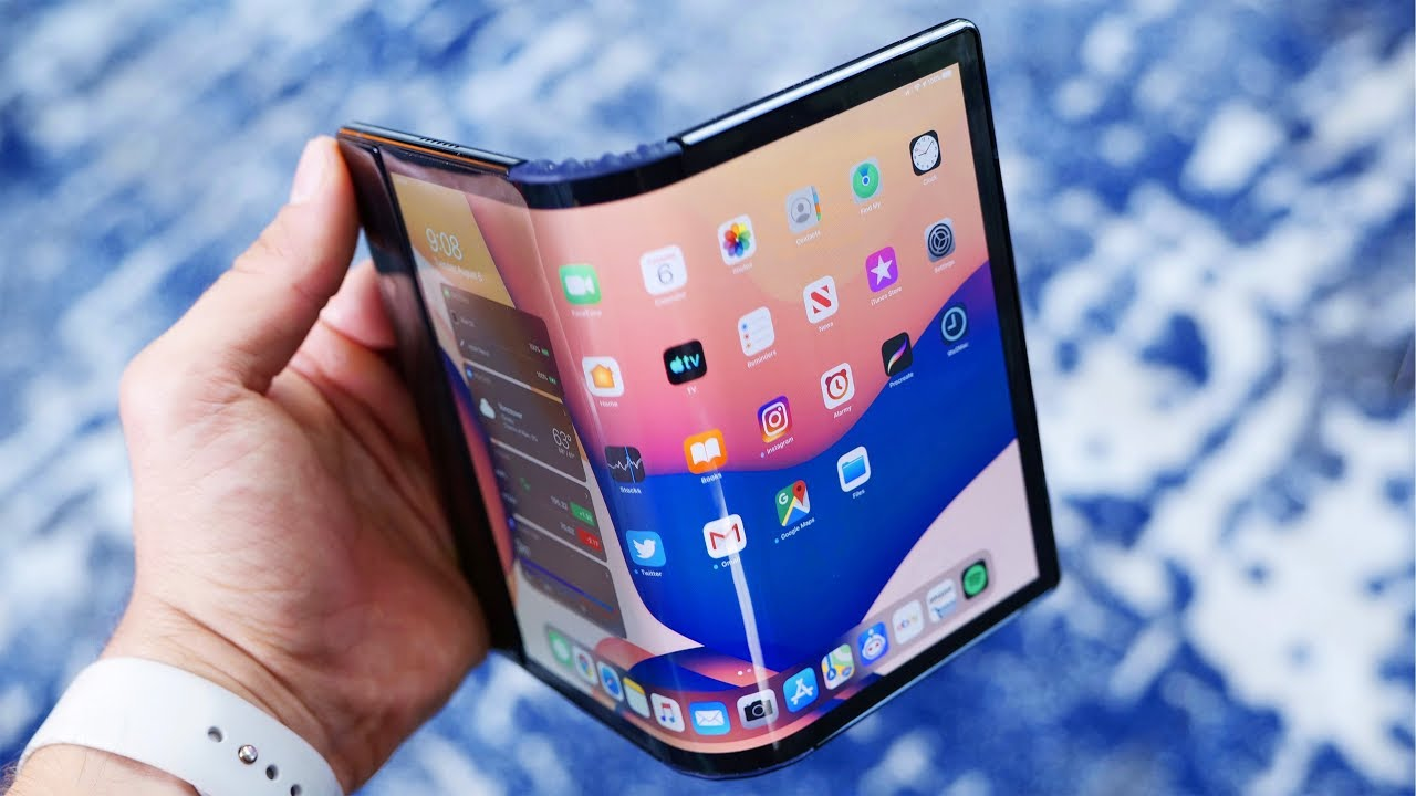 The Folding Phone of the Future! Royole FlexPai