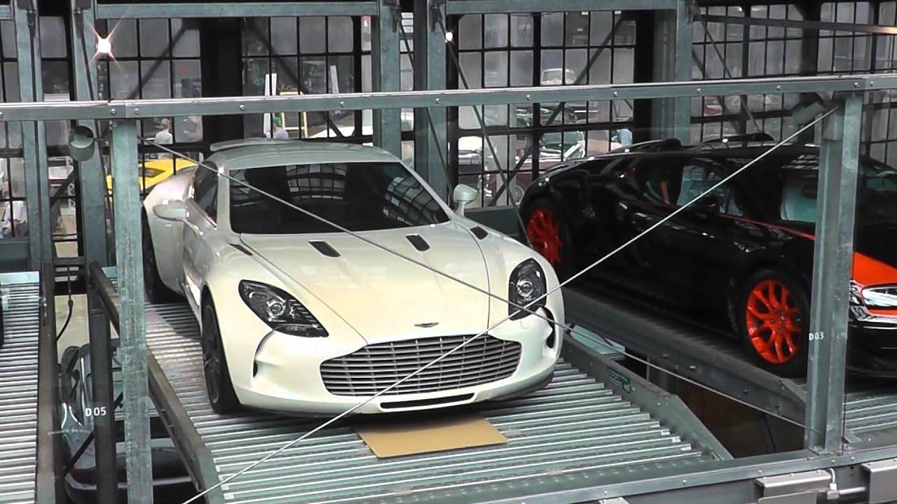 2x bugatti veyron vitesse wrc aston martin one 77 in. Black Bedroom Furniture Sets. Home Design Ideas
