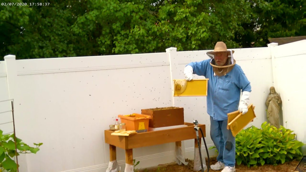 How To Install A Bee Hive Nuc