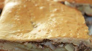 Пирог с картофелем и сайрой. Пирог из рыбных консервов. Рыбный пирог с картофелем.